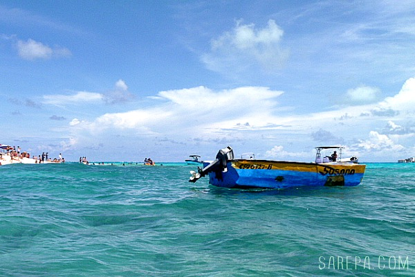 boat-san-andres-travel-colombia-1