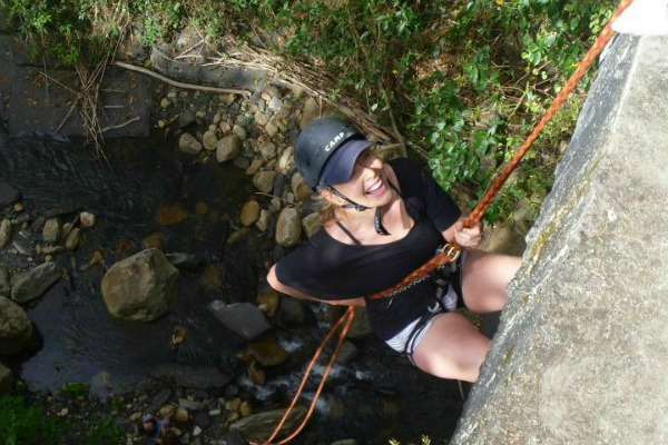 abseiling-adventure-travel-colombia-sarepa