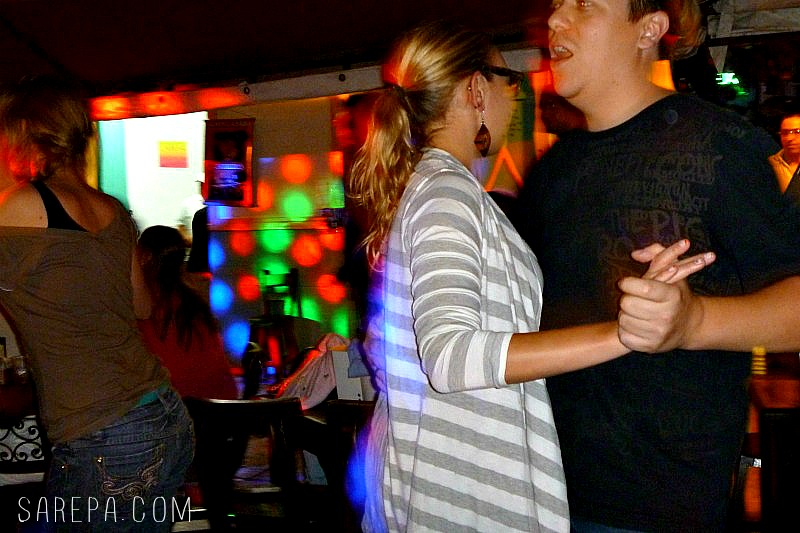 Christmas-in-Colombia-dancing-salsa