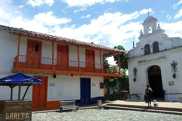 Places-to-visit-Colombia-Pueblito-Paisa-3
